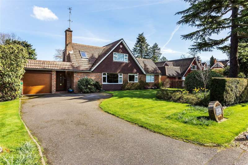 4 Bedrooms Detached House for sale in Castle Road, Horsell, Surrey, GU21