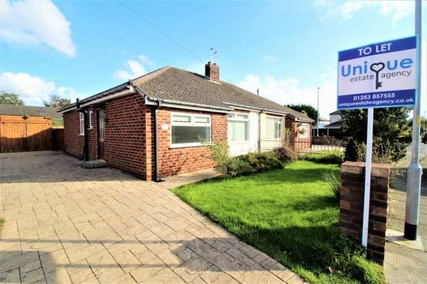 2 Bedrooms Bungalow for rent in Woodley Avenue, Thornton-Cleveleys, FY5