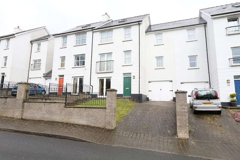 5 Bedrooms Town House for sale in Kensington Gardens, Haverfordwest, Sir Benfro, SA61 2RL