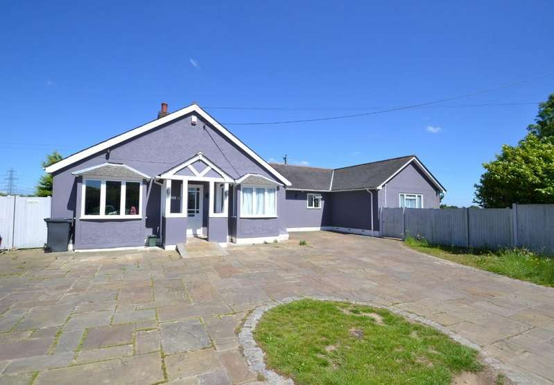 4 Bedrooms Detached Bungalow for sale in Lanham Green, Cressing