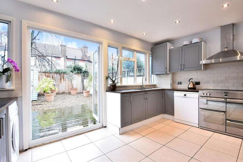 4 Bedrooms Terraced House for sale in Eastbourne Road, Tooting