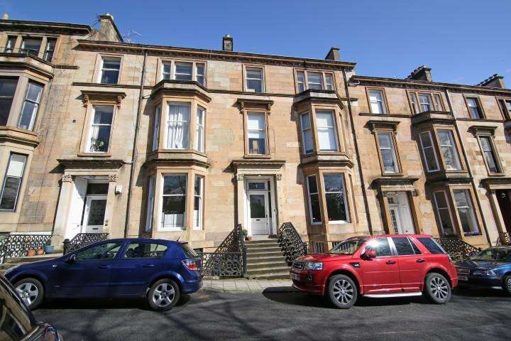 3 Bedrooms Duplex Flat for sale in 7 Huntly Gardens, Dowanhill, G12 9AS