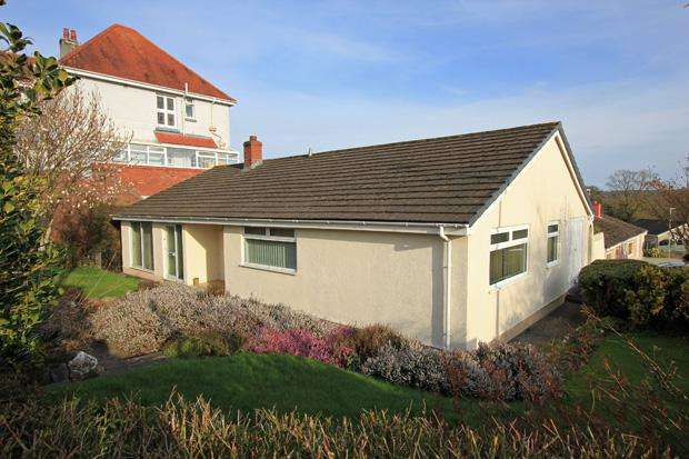 4 Bedrooms Detached Bungalow for sale in Maes Y Dderwen, Monument Hill, Carmarthen, Carmarthenshire