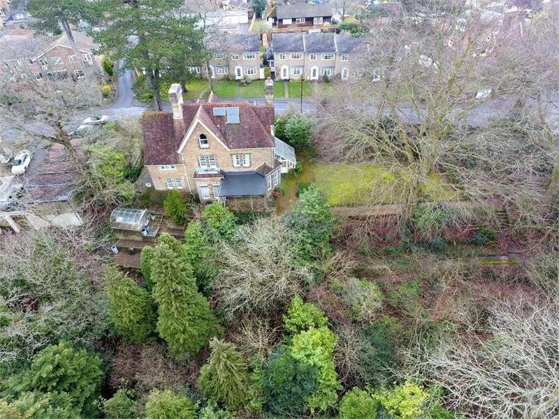 6 Bedrooms Detached House for sale in Frith Hill Road, Godalming, Surrey