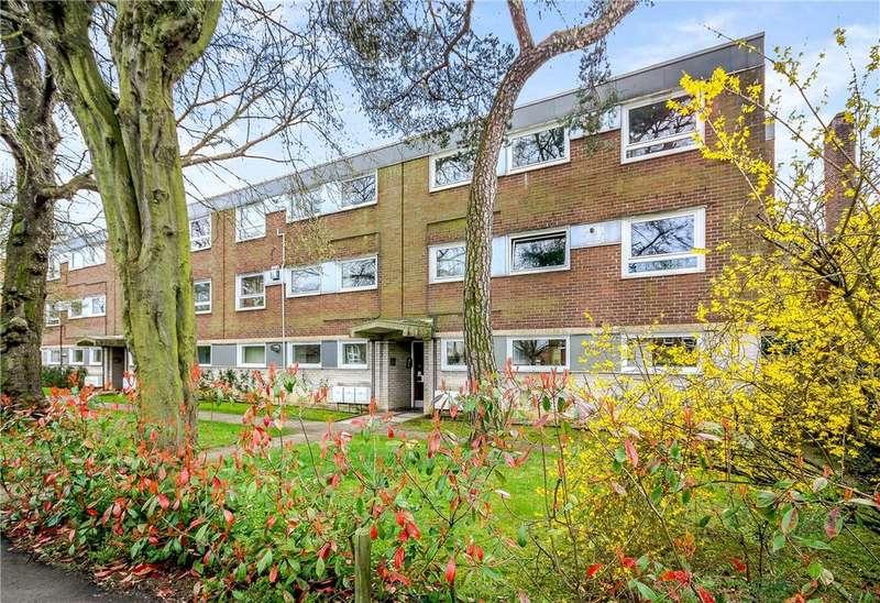 2 Bedrooms Apartment Flat for sale in Croft Lodge, Barton Road, Cambridge, CB3
