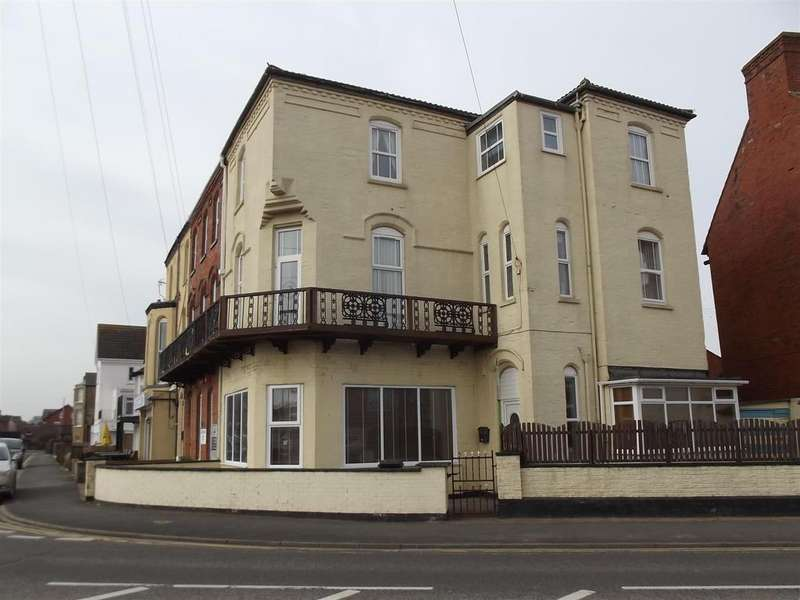 5 Bedrooms End Of Terrace House for sale in Marine Avenue, Sutton On Sea, Lincolnshire, LN12 2ND