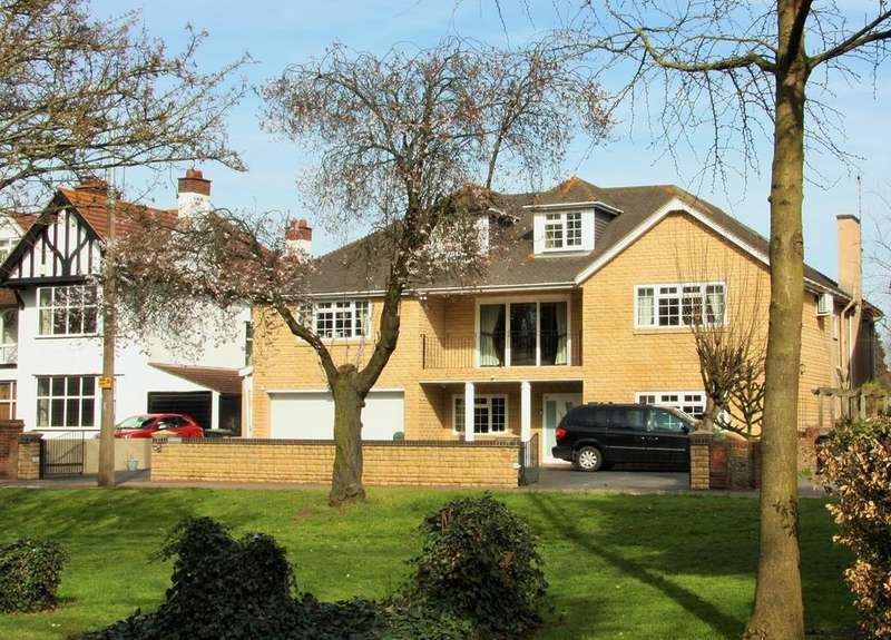 7 Bedrooms Detached House for sale in Thorpe Hall Avenue, Southend-on-Sea, SS1