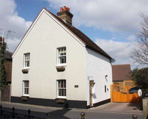 3 Bedrooms Detached House for sale in Maldon Road, Great Baddow, Chelmsford, CM2