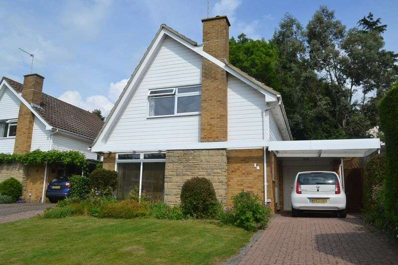 3 Bedrooms Property for sale in Oak Hall Park, Burgess Hill