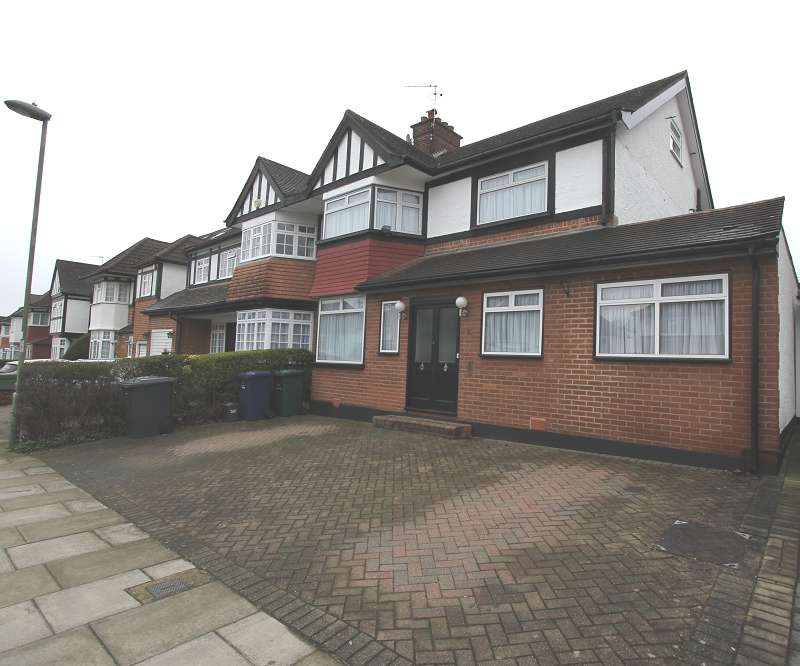 6 Bedrooms Semi Detached House for sale in Highview Avenue, Edgware, Greater London. HA8 9TX