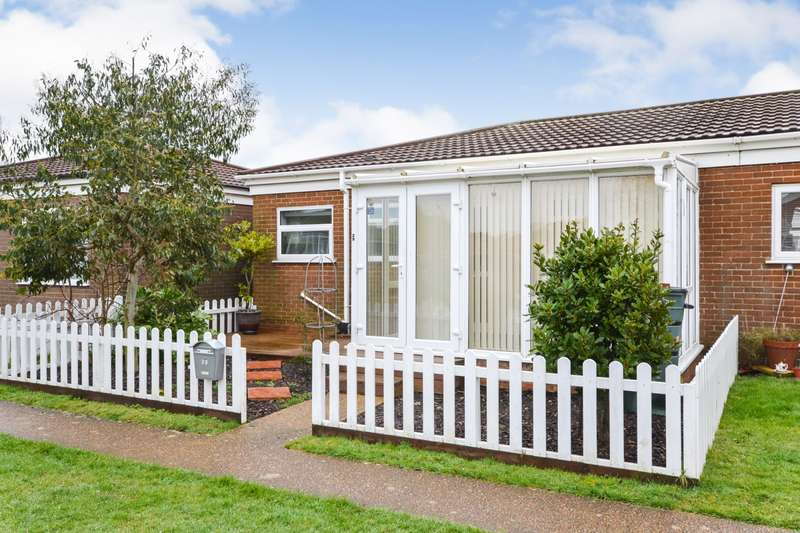 2 Bedrooms Bungalow for sale in Viking Way, Eastbourne, BN23