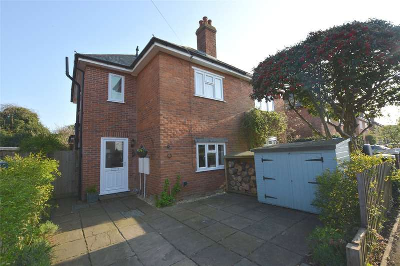 3 Bedrooms Semi Detached House for sale in Ellery Grove, Lymington, Hampshire, SO41