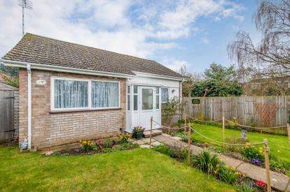 2 Bedrooms Bungalow for sale in Barrow, Bury St. Edmunds, Suffolk