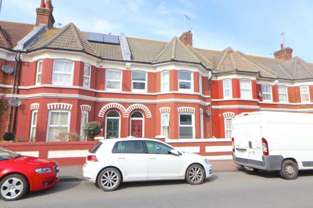 3 Bedrooms Terraced House for sale in Bedfordwell Road, Eastbourne, BN22