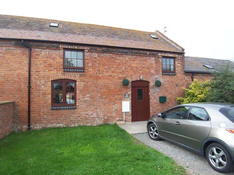 3 Bedrooms Barn Conversion Character Property for rent in The Old Dairy,Home Farm,Condover, SY5 7BT