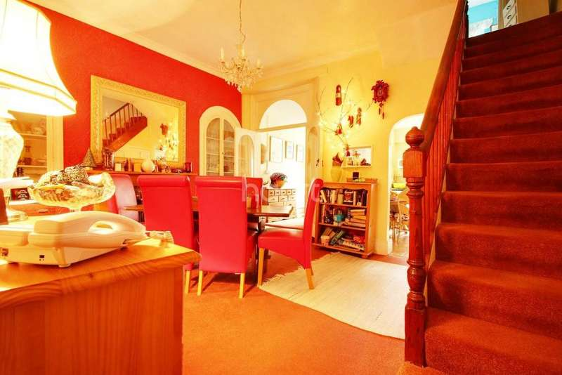 3 Bedrooms Terraced House for sale in Windsor Road, Torquay