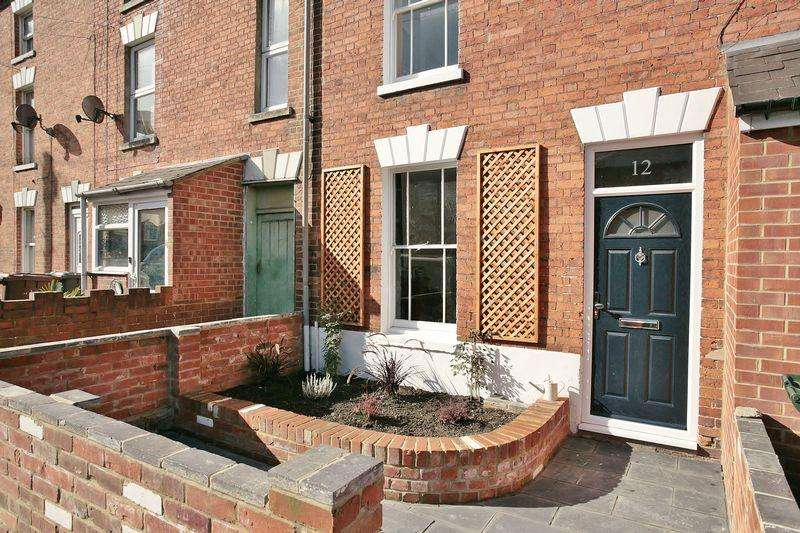 3 Bedrooms Terraced House for sale in 12 Centre Street, Banbury
