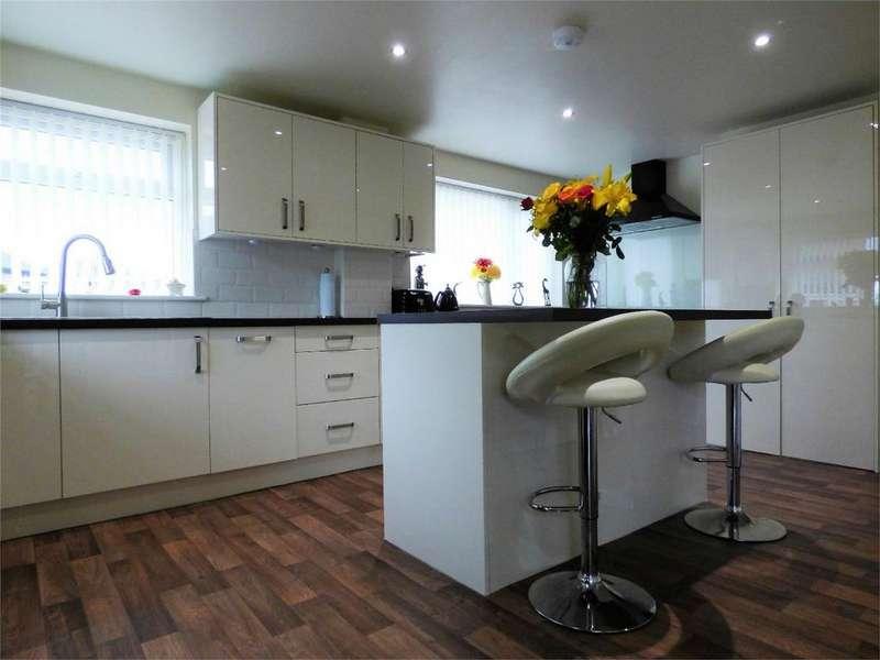 3 Bedrooms Semi Detached Bungalow for sale in Sunnybower Close, BLACKBURN, Lancashire