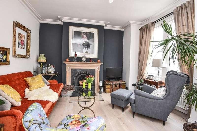 3 Bedrooms Maisonette Flat for sale in Trentham Street, Southfields