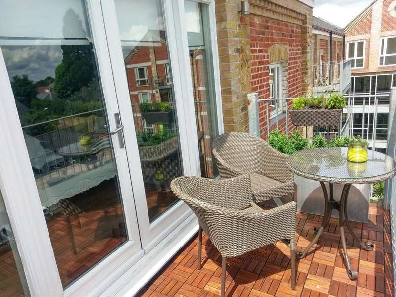 2 Bedrooms Apartment Flat for sale in School Lane, Mistley, Manningtree