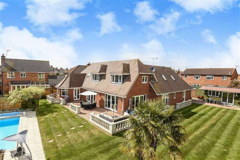 4 Bedrooms Detached House for sale in Bowman Close, Stratone Village, Wiltshire