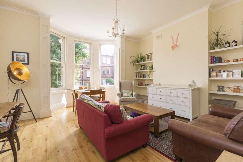 1 Bedroom Flat for sale in St James Terrace, Boundaries Road, Balham SW12