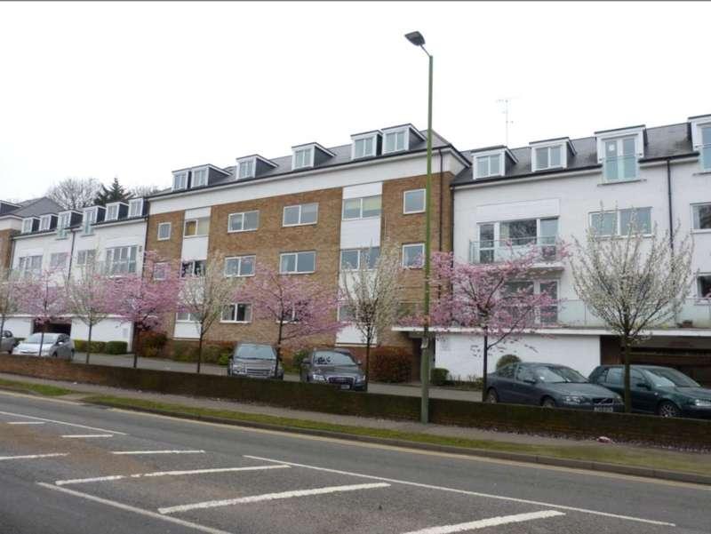 2 Bedrooms Flat for sale in Brook Court Watling Street, Radlett
