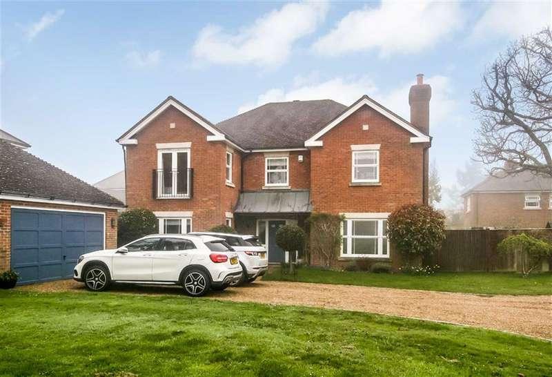 5 Bedrooms Detached House for sale in East Parkside, Warlingham, Surrey