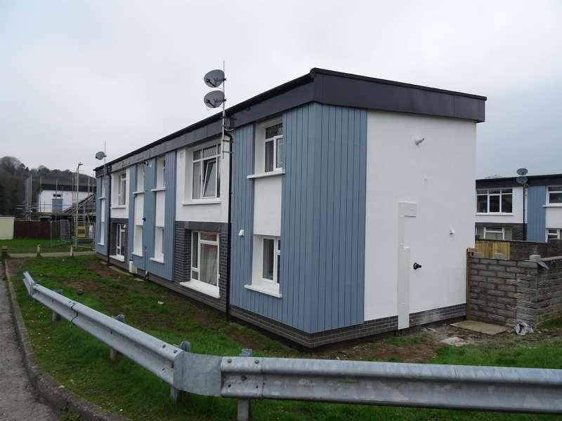 2 Bedrooms Flat for sale in Glanffornwg, Bridgend, CF31 1RN