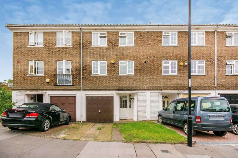 3 Bedrooms House for sale in Paul Gardens, Croydon, CR0