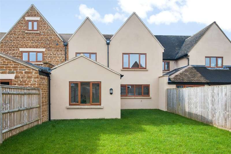 5 Bedrooms Terraced House for sale in Green Court, Earls Lane, Deddington, OX15