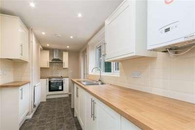 3 Bedrooms Cottage House for rent in Holt Pound, Farnham