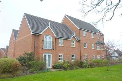 2 Bedrooms Flat for rent in Kirkland Court, Moss Hey, Spital