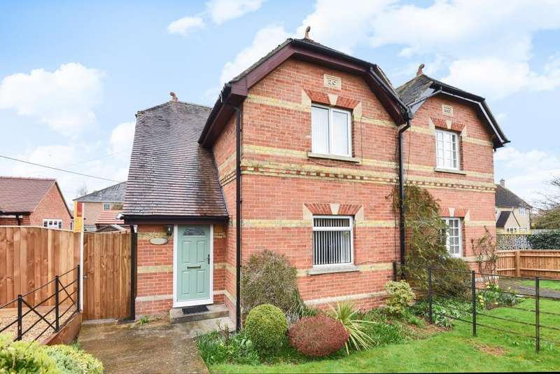 3 Bedrooms House for rent in Woodstock Road, Witney, OX28