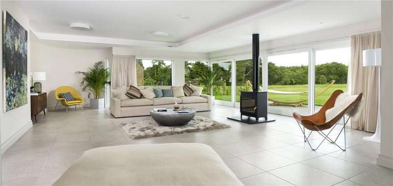 4 Bedrooms Detached Bungalow for sale in Whitehill Woods, Whitehill House, Rosewell, Midlothian, EH24