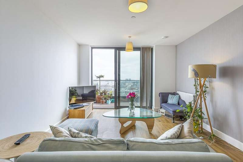 2 Bedrooms Flat for sale in Connaught Heights, Waterside Park, E16