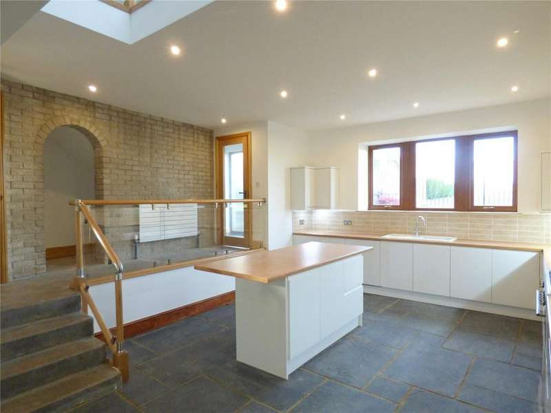 4 Bedrooms House for sale in Moorside, Cleckheaton, BD19