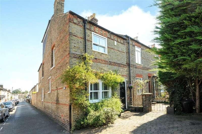 2 Bedrooms End Of Terrace House for sale in Oak Lane, Windsor, Berkshire, SL4