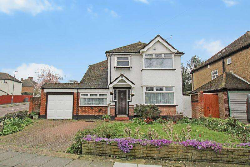 4 Bedrooms Detached House for sale in Riverdale Road, Bexley