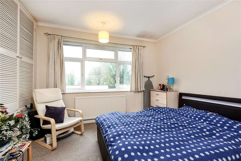 2 Bedrooms Apartment Flat for sale in Uxbridge Road, Rickmansworth, Hertfordshire, WD3