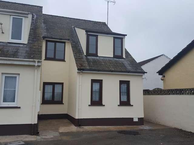 2 Bedrooms Flat for sale in 2 Bed 1st Floor apartment, 8 Greenacre Court, Pentlepoir, Kilgetty, SA68