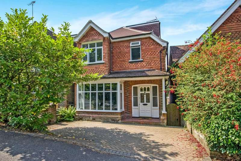 3 Bedrooms Detached House for sale in The Avenue , Haslemere GU27