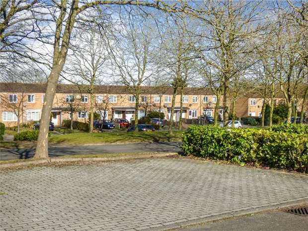 3 Bedrooms Terraced House for sale in Downs Barn Boulevard, Downs Barn, Milton Keynes, Buckinghamshire