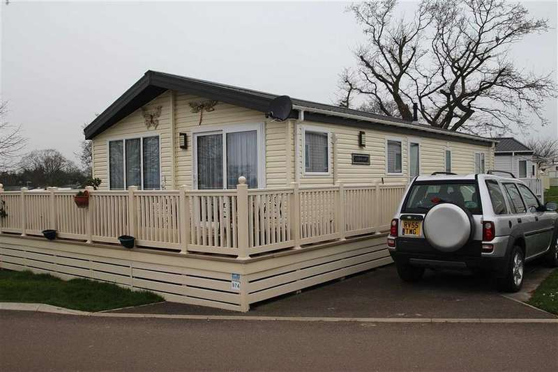 2 Bedrooms Mobile Home for sale in Highfield Grange, Clacton-on-Sea