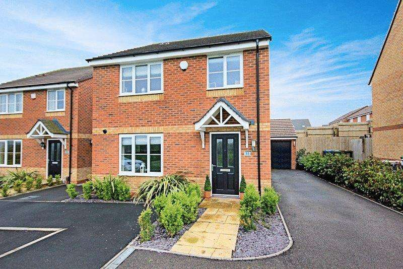 4 Bedrooms Detached House for sale in Quincy Way, Stafford
