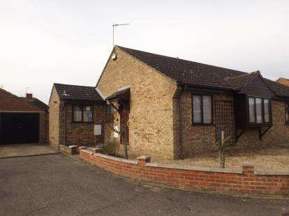 2 Bedrooms Bungalow for sale in Colchester, Essex