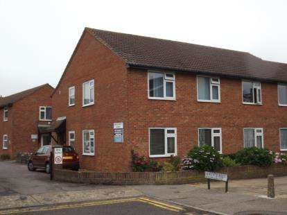 1 Bedroom Flat for sale in North Street, Walton On The Naze, Essex