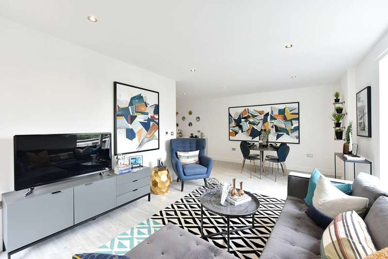 2 Bedrooms Flat for sale in Quadra, London Fields, E8