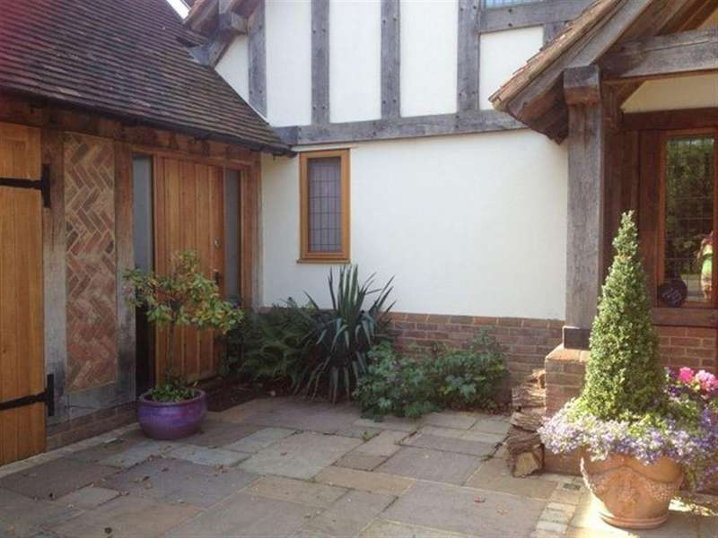 2 Bedrooms Apartment Flat for rent in OTFORD