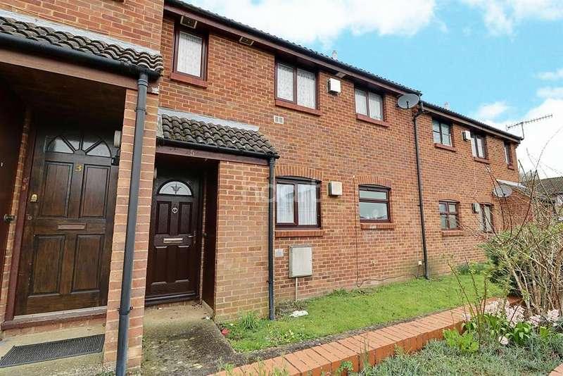 1 Bedroom Flat for sale in Windflower Road, Swindon, Wiltshire